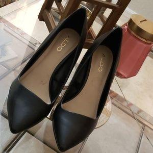 Black Aldo pumps